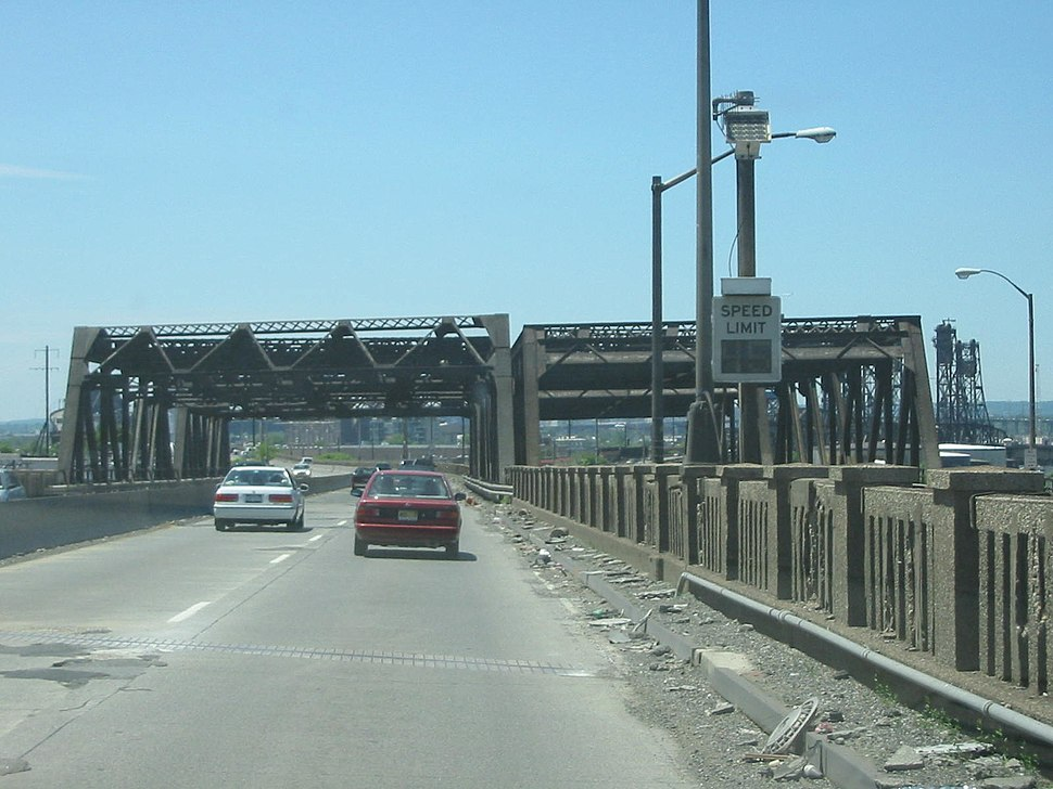 Pulaski Skyway south at NYS-W bridge