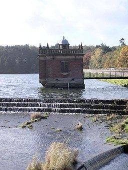Pump house at the top of Swithland Reservoir - geograph.org.uk - 370