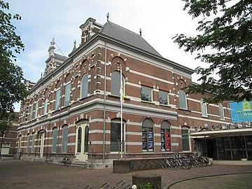 RM522321 Dordrecht - Sint Jorisweg 76 (schouwburg foto 2)
