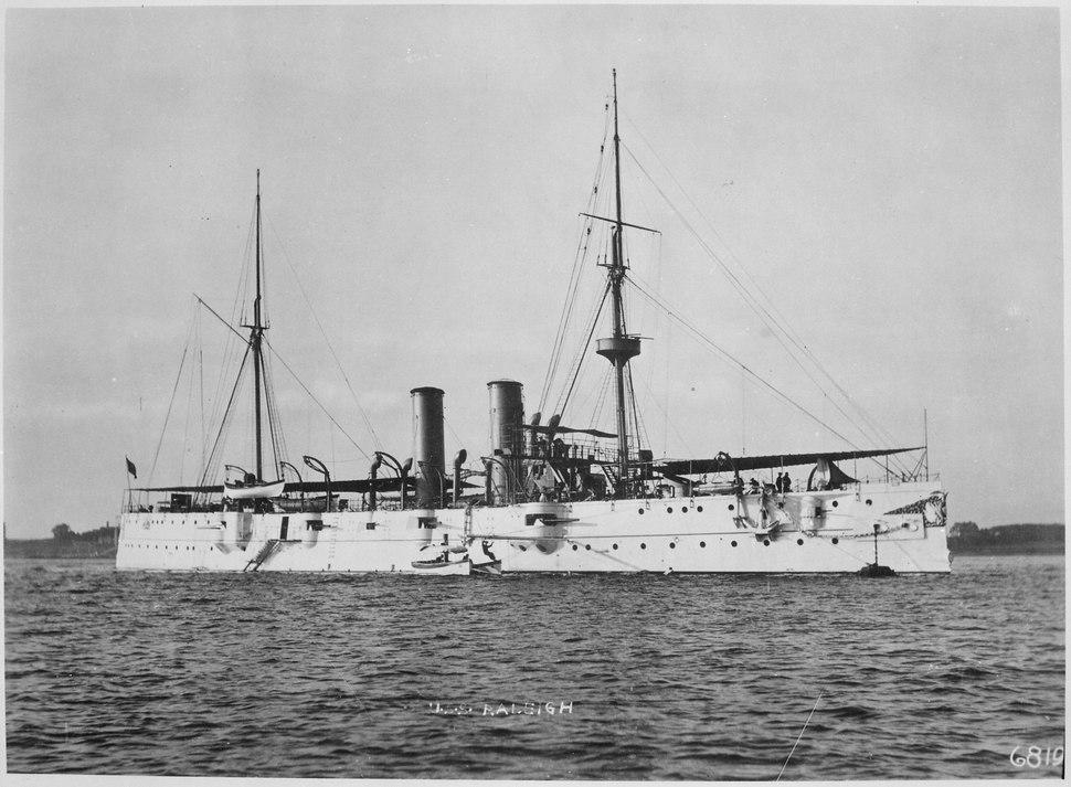 Raleigh (Cruiser 8). Starboard bow, ca. 1900 - NARA - 512958