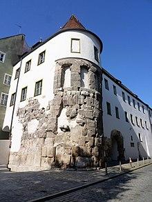 Porta Praetoria Regensburg Wikipedia