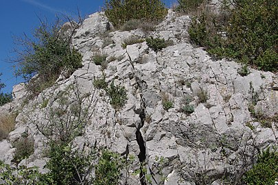 Reliefs calcaire en Ardèche.jpg