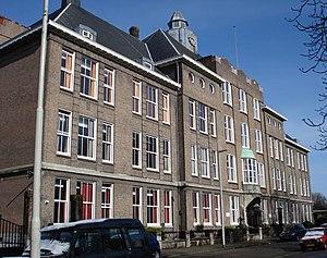 Hogere Burgerschool - A former HBS for girls in Rotterdam