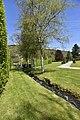 Ruisselet entre pelouses (28294285634).jpg