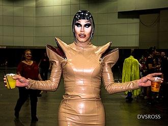 RuPaul's Drag Race - Sharon Needles