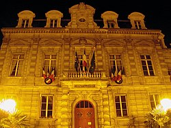 Saint-Cloud mairie.jpg