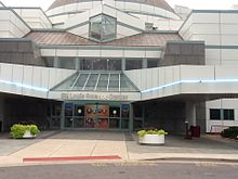 Saint Louis Science Center Entrance.jpg
