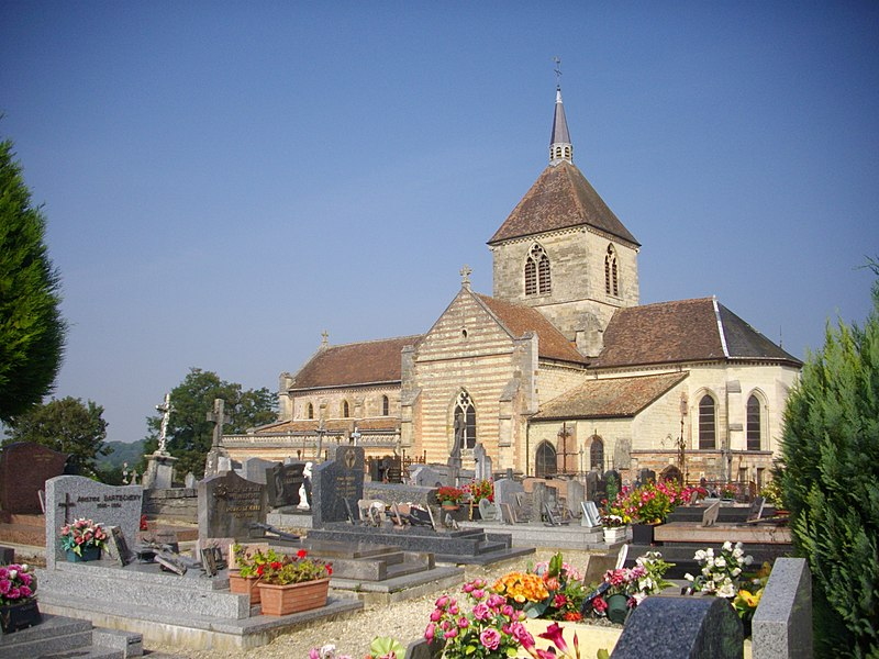 Our Lady church of Sainte-Menehould (Marne, France) and cemetery