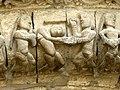 Saintes Abbaye aux Dames - Portal Archivolten 3b Märtyrer.jpg