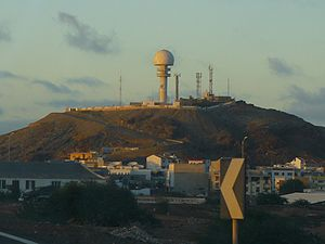 Espargos - Monte Curral with its airport radar and the city