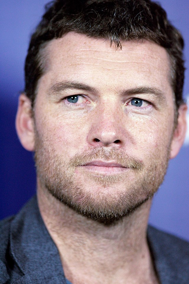 The 40-year old son of father Ronald W. Worthington and mother Jeanne J. Worthington, 178 cm tall Sam Worthington in 2017 photo