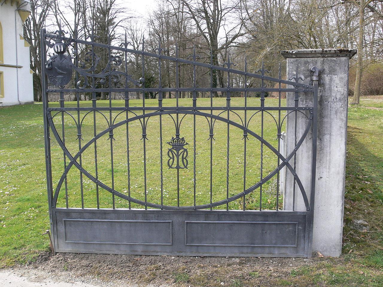 file:schloss benzenhofen gartentor - wikimedia commons