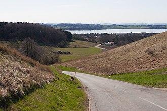 Poskær Stenhus - Image: Set fra vejen fra Agri