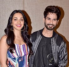 Shahid Kapoor and Kiara Advani are posing for the camera