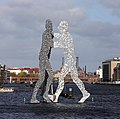 Skulptur Elsenbrücke (AltTr) Molecule Man.jpg