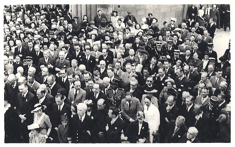 File:Soumaré et pleven à Dinan 1947.jpg