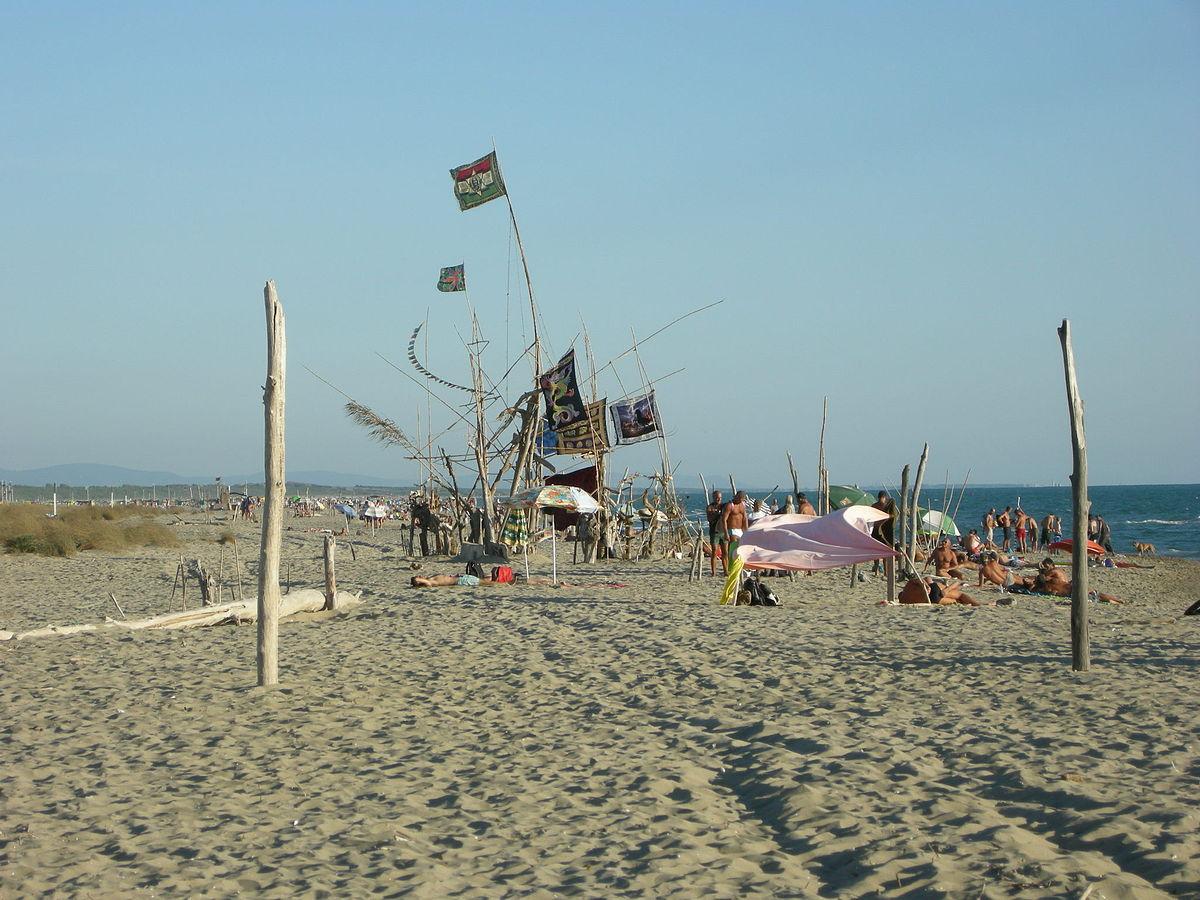Spiaggia della lecciona wikipedia - Alla colorazione della spiaggia ...