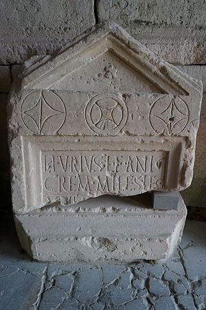 Legio XIII Gemina - Image: Stèle funéraire Lucius Furius 03196