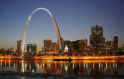 St louis travel guide at wikivoyage downtown st louis at night solutioingenieria Images