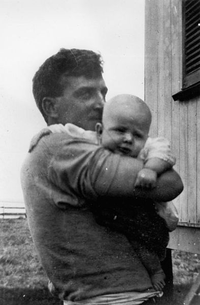 File:StateLibQld 2 167731 Norman Heaslop with baby son Robert, at 'Nullum', Darling Point, 1918.jpg