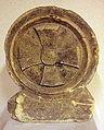 Steen met Maltezer kruis, afkomstig van het toegangspoortje van de Sjaelsberger kluis , Streekmuseum Het Land van Valkenburg, Limburg.jpg