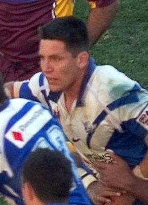 Steve Price (rugby league) - Price playing for the Bulldogs in 2004