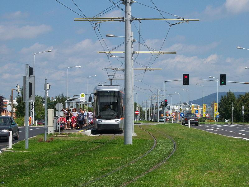 File:Straßenbahn Doblerholz 2.JPG