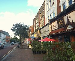 Streetscape view of Lavender Hill, Battersea.jpg
