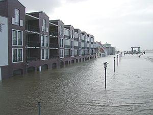 North Sea flood of 2007 - Image: Sturmflut in Bremerhaven 2007 11 09