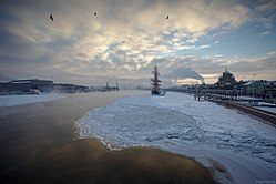 Sunset over Neva river.jpg