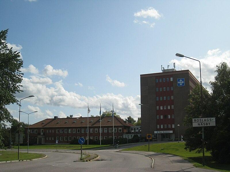 Täby kommunhus i Roslags Näsby.