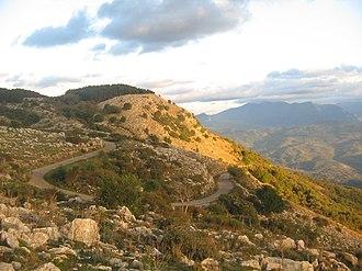 Ottati - Image: Tempa del Prato (mountain road)
