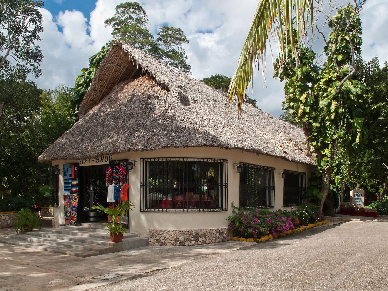 Banos Tft.File Tenda Na Entrada Dun Cenote En Chichen Itza Quintana