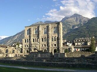 Alpes Poeninae - Image: Théâtre romain Aoste 2009 front