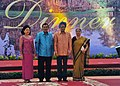 The Prime Minister Dr. Manmohan Singh and his wife Smt. Gursharan Kaur with the Prime Minister of Cambodia, Mr. Hun Sen and his wife Mrs. Bun Rany at the Gala Dinner in Phnom Penh, Cambodia on November 19, 2012.jpg