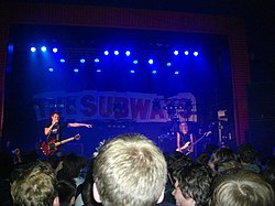 The Subways spelar i Manchester 9 november 2011.