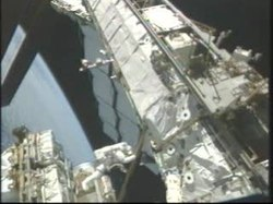 Archivo:Third STS-128 Spacewalk.ogv