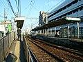 Toden-arakawa-line-Arakawa-shakomae-station-2.jpg