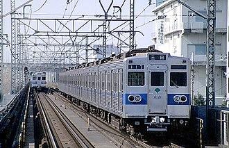 Toei Mita Line - 6000 series between Shin-Takashimadaira and Nishi-Takashimadaira, February 1999