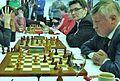 Tomashevsky neben Karpov (re.) + Gharamian-30-4-17.jpg