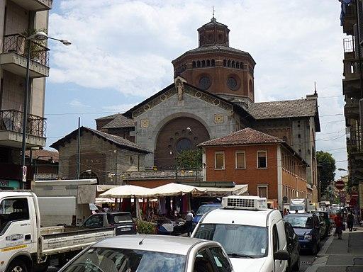 Torino, Chiesa della Salute col mercato di piazza Vittoria da via Vibò (Fab18 h13-5lug12)