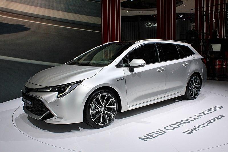 Toyota Of Paris >> File:Toyota Corolla Touring Sports Hybrid, Paris Motor