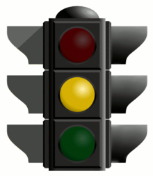 Traffic light yellow-766495.png