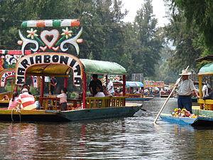 Trajineras in Xochimilco (2009).JPG