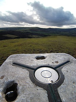 Trig top on Earl's Hill - geograph.org.uk - 1136565