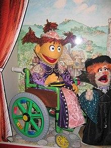 Alcuni personaggi della versione Canadese del programma, Sesame Park