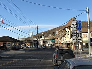 New York State Route 59 - NY 59's brief wrong-way concurrency with US 202 in Suffern.