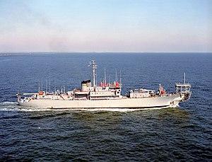 USNS Albert J. Myer (ARC-6) - USNS Albert J. Myer (T-ARC-6) underway c1984