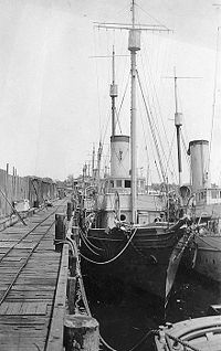 USS Christabel 1917 at dock