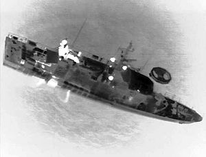 MS al-Salam Boccaccio 98 - An infrared image from a U.S. Navy aircraft showing a rescue vessel alongside a life raft from al-Salam Boccaccio 98